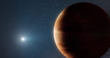The first Giant Exoplanet